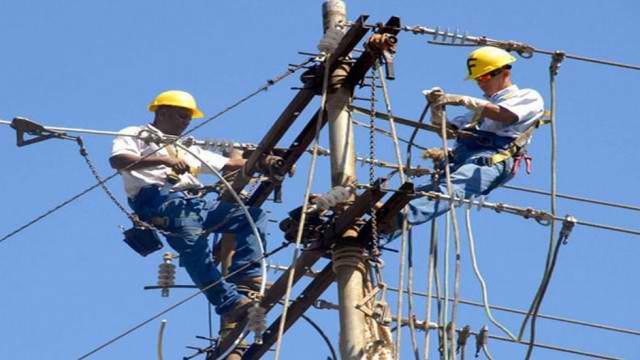 20190114170803-trabajadores-electricos.jpg