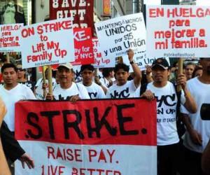 Protestan en EU empleados de cadenas de comida rápida
